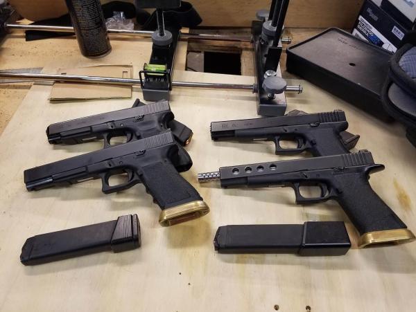 Glocks.thumb.jpg.2c98fa2489500c98109c3c895dc292c0.jpg