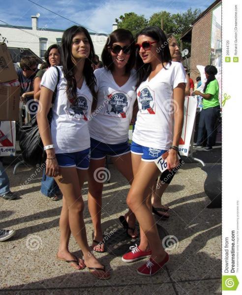 blue-ribbon-girls-26644720.jpg